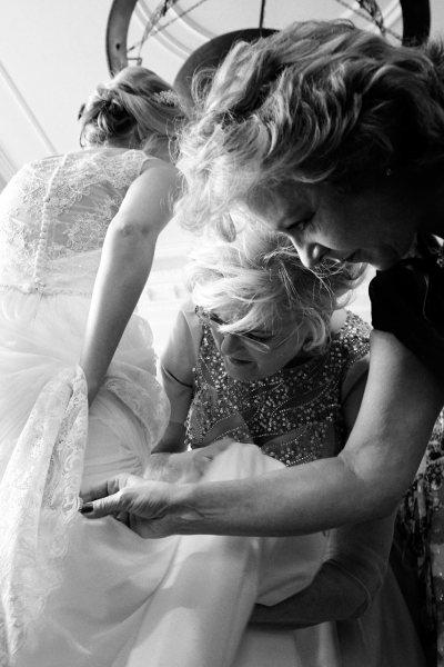 Journalistische Hochzeitsfotografie München Brautvorbereitung München