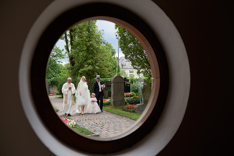 hochzeitsfoto einzug der Braut