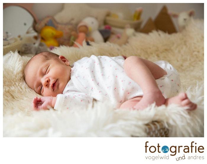 Babyfoto auf dem Wickeltisch
